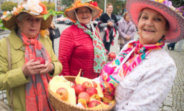 Marsz jesiennych kapeluszy - Senioralia 2017 [FOTO]